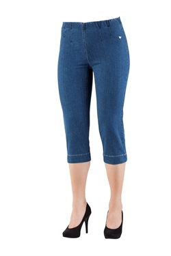 LauRie GUSTI Capri Jeans SANNA, MEDIUM BLUE DENIM, pasform SLIM, model 23341.