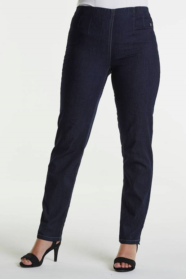 LauRie GUSTI Jeans RACHEL ,  DARK BLUE DENIM,  normal benlængde, pasform REGULAR, model 24418.
