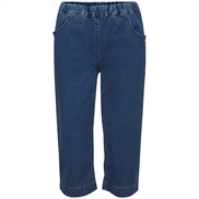 LauRie GUSTI Capri Jeans med lommer i farven Medium Blue Denim, pasform REGULAR, model 24447.